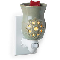 Medallion Pluggable Wax Melter - CandleWarmers
